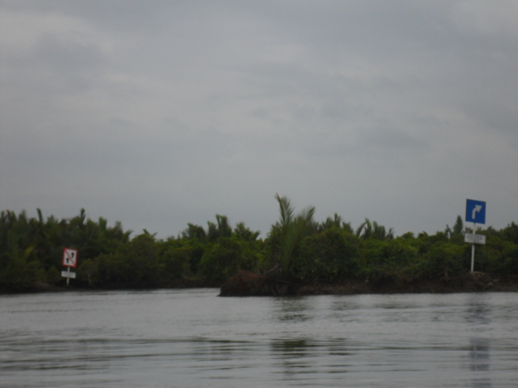 Menuju Kampung Laut